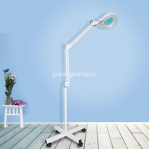 1 LAMPE LOUPE SUR PIED 5 DIOPTRIES AVEC ECLAIRAGE 22W