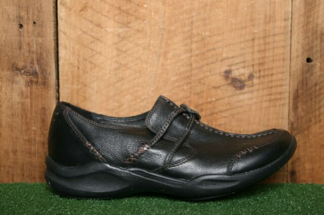 CLARKS 'Wave.Run' Black Leather Loafers