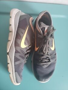 newest bcd8d 8e291 Image is loading Nike-Womens-Flex-Supreme-TR-3-Sneakers-Gray-