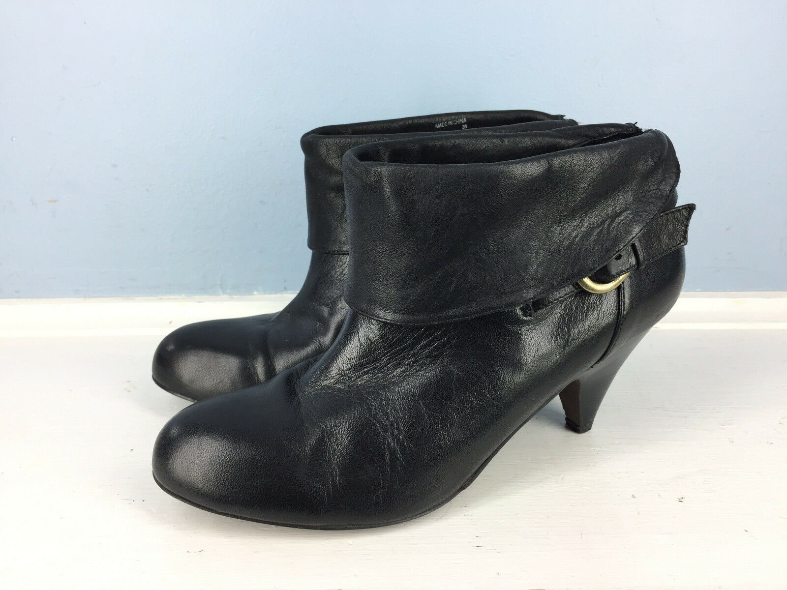 ALDO Black leather bootie slip on Career Casual Excellent 38 7 7.5