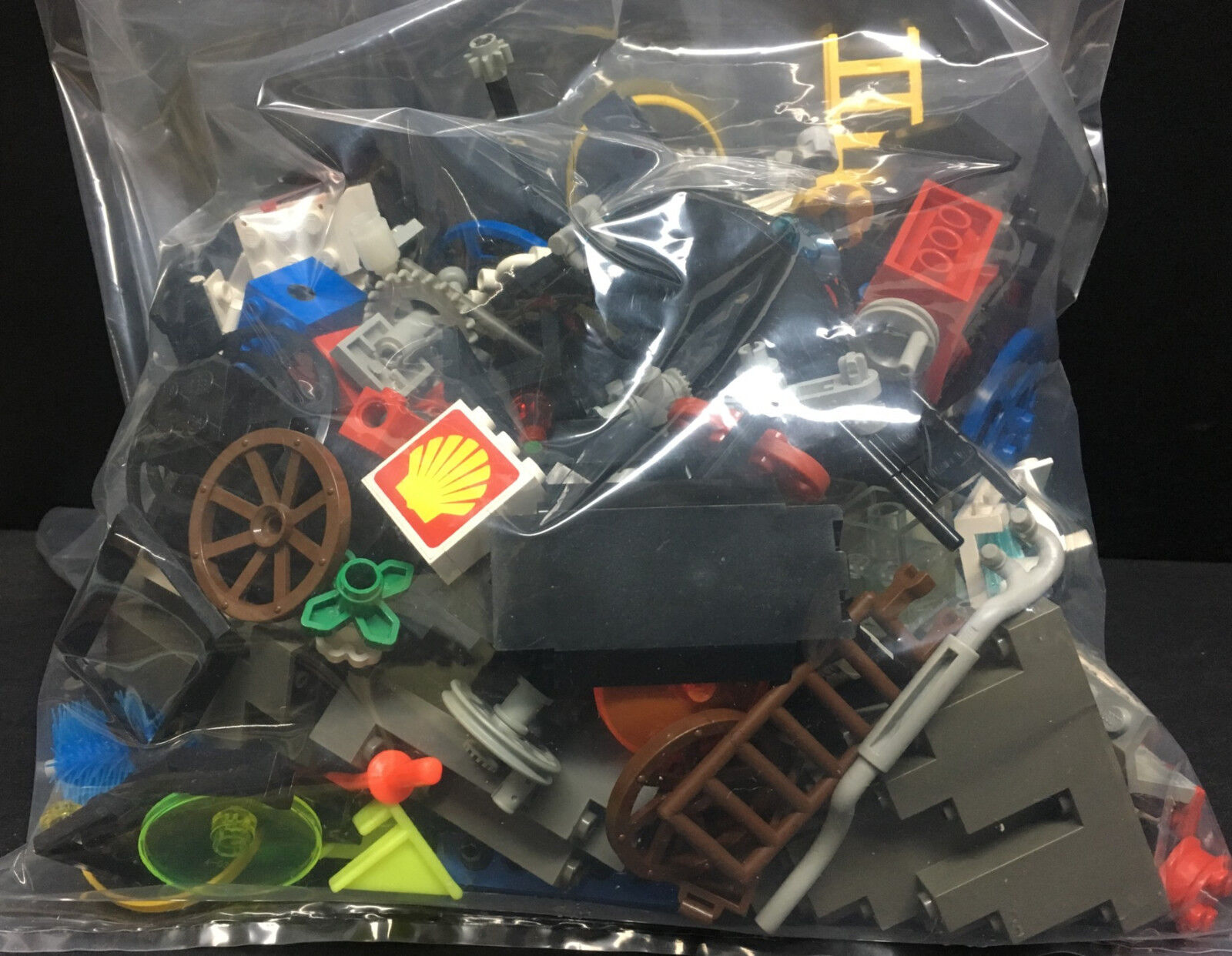 [65650] [65650] [65650] c1990's LEGO & LEGO TECHNIC PARTS from CITY, CASTLE, PIRATE SETS  +1 lb. 5440dd
