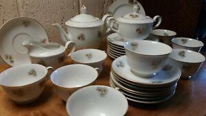 29pc-Vintage-Fukagawa-Arita-Pine-Cone-China-Service-pieces