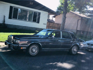 LINCOLN  CONTINENTAL  very low KM and Low price !