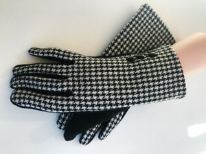 Women-039-s-Winter-Fashion-Black-amp-White-Touch-Screen-Outdoor-Warm-Gloves