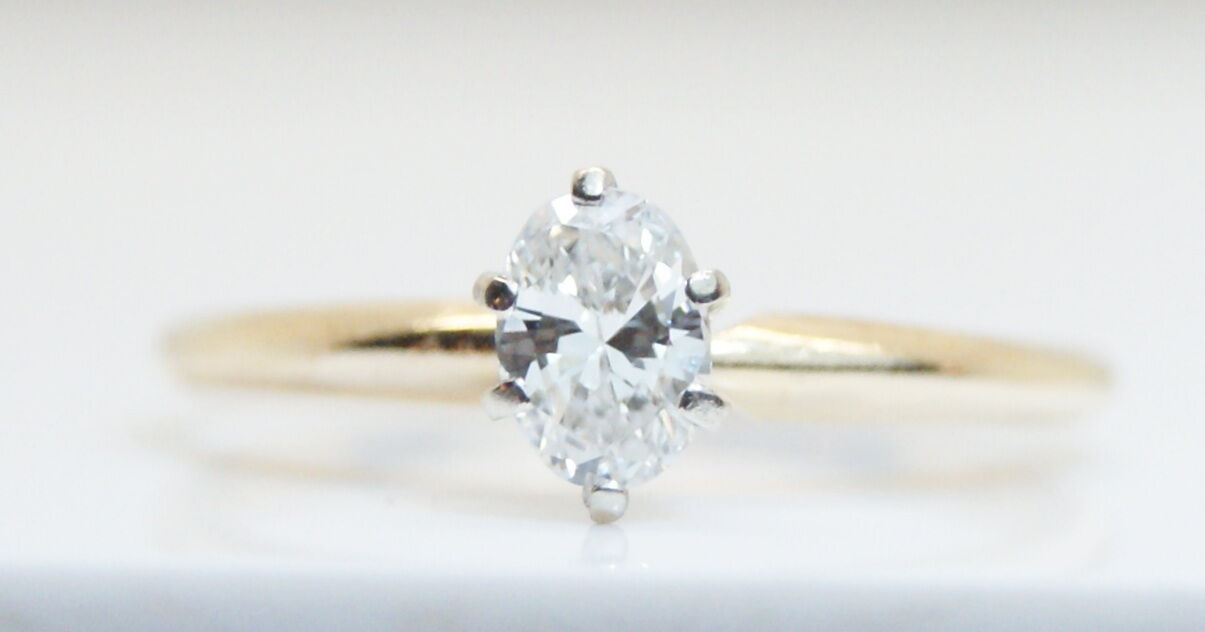 14K Yellow gold .50 Ct Oval Solitaire Diamond Engagement Ring Size 6.25