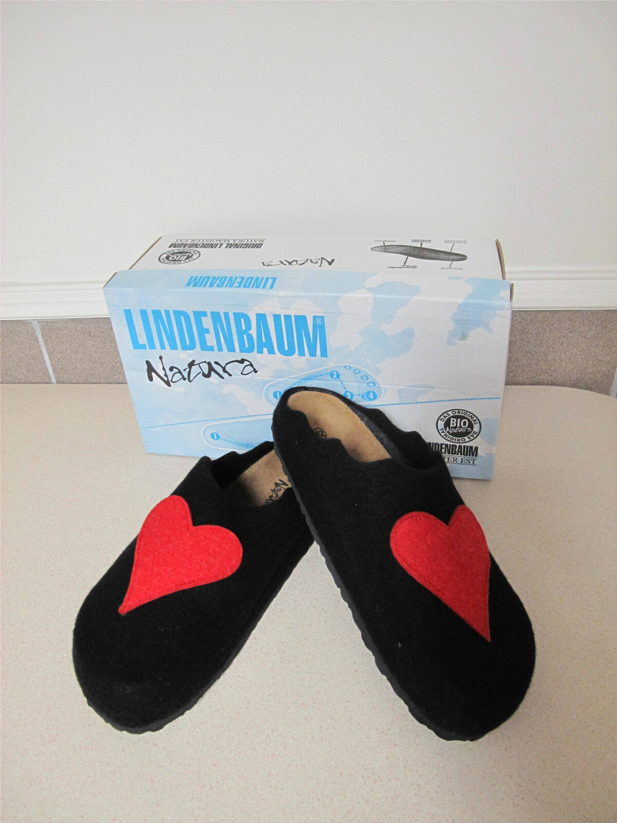 Women's slippers Lindenbaum Red Heart Black Wool boiled sz 10.5 42 made Germany