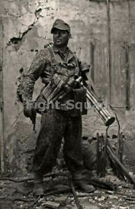 WW2-Picture-Photo-German-Soldier-Ready-to-Fight-3324