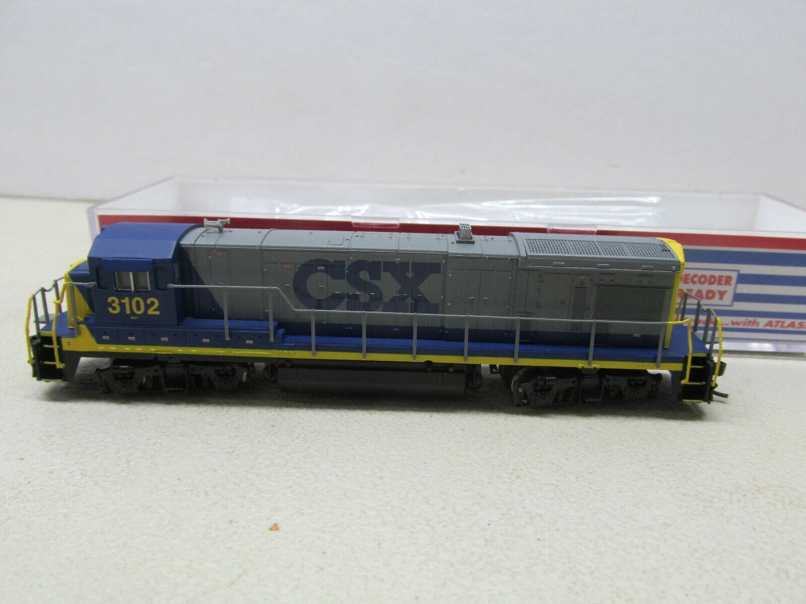 ATLAS   CSX B23-7 POWERED LOCOMOTIVE  DCC READY N-SCALE