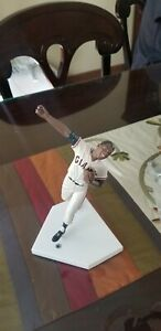 The-Danbury-Mint-San-Francisco-Giants-Willie-Mays-The-Catch-Figurines-Only-HOF