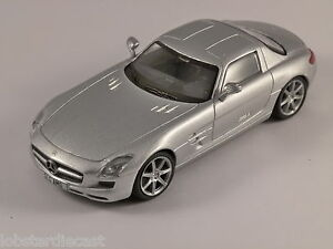 MERCEDES-SLS-AMG-in-Silver-1-43-scale-model
