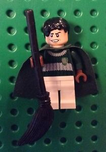 New Genuine LEGO Marcus Flint Quidditch Harry Potter 4737