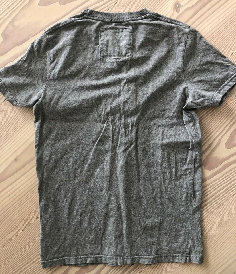T-shirt, T-shirt, Abercrombie and fitch