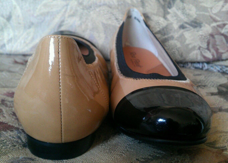 NEU ROSE PETALS BY WALKING CRADLES 165 TAN BLACK CAPTOE BALLET FLATS 39.5 8.5