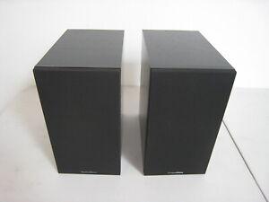 Pair of Bowers & Wilkins B&W 685 S2 Bookshelf Speakers free U.S. shipping