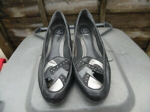 LADIES-LOVELY-BLACK-SHOES-SIZE-7