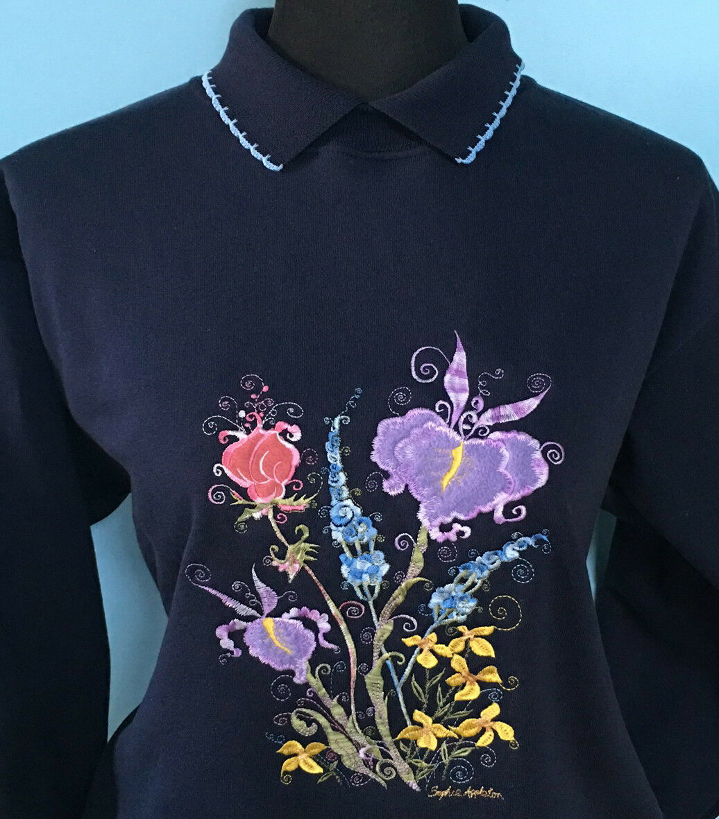 Flower Sweater with with with Collar NAVY or WHITE by Sophie's Appleton, Country Swirls b9c1e7