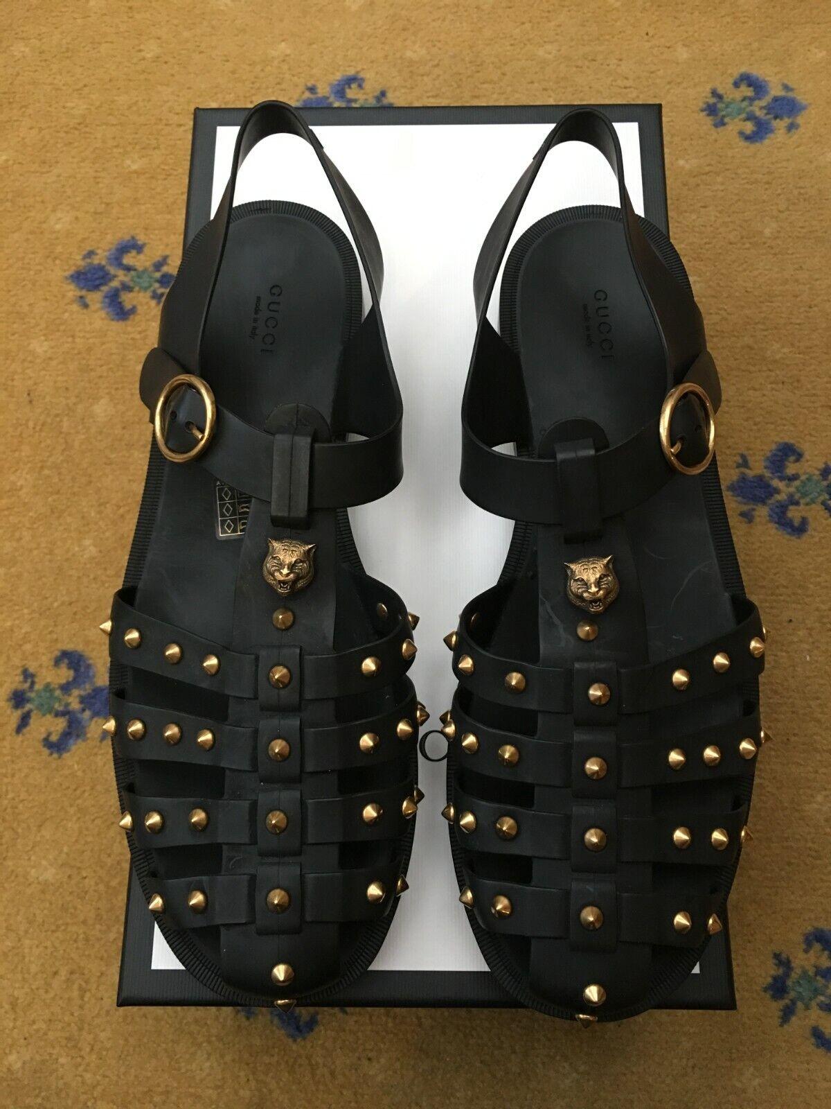 Gucci Mens Black Rubber Buckle Strap