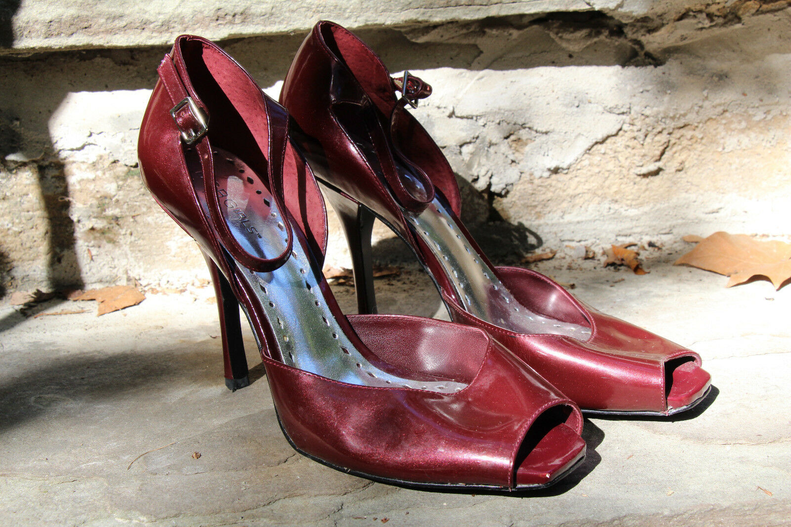 BCBGirls Deep Red  Maroon Wine-color High Heel Women's shoes, Size 9-1 2M9