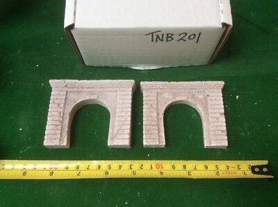 2x N Scale Tunnel Portals Concrete Style - Single Track Pre Coloured Servizio Durevole