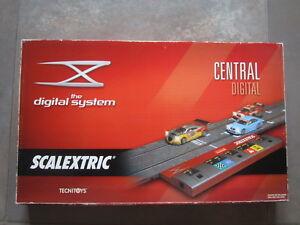 Système numérique central Scalextric.   Nouveau dans la boîte