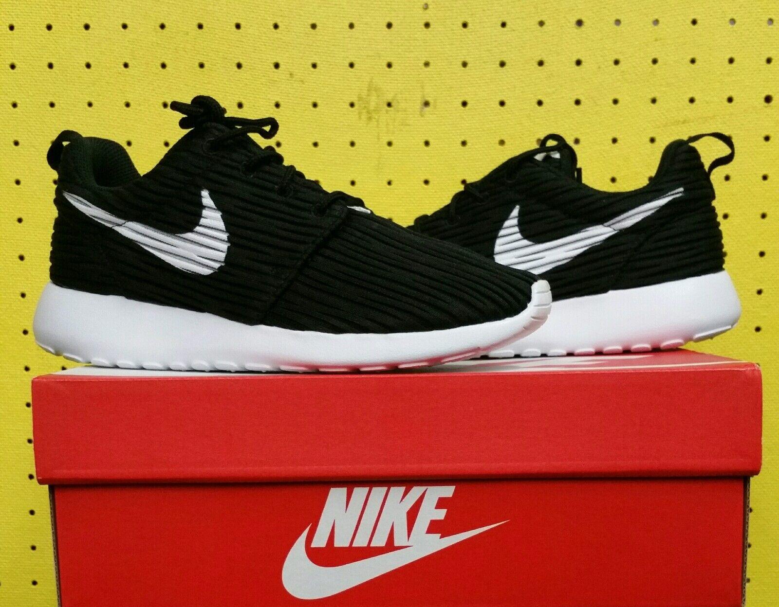 NEW Women's Nike Roshe One ENG Sz 6.0 Textile Black White 833818 010 RosheRun
