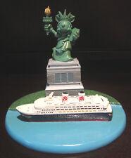 RARE Disney Cruise Lines NYC Minnie Mouse Statue of Liberty Figure Figurine
