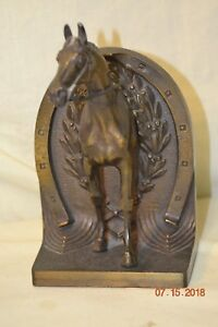 Bradley-amp-Hubbard-Horse-Framed-by-Horseshoe-Bookend