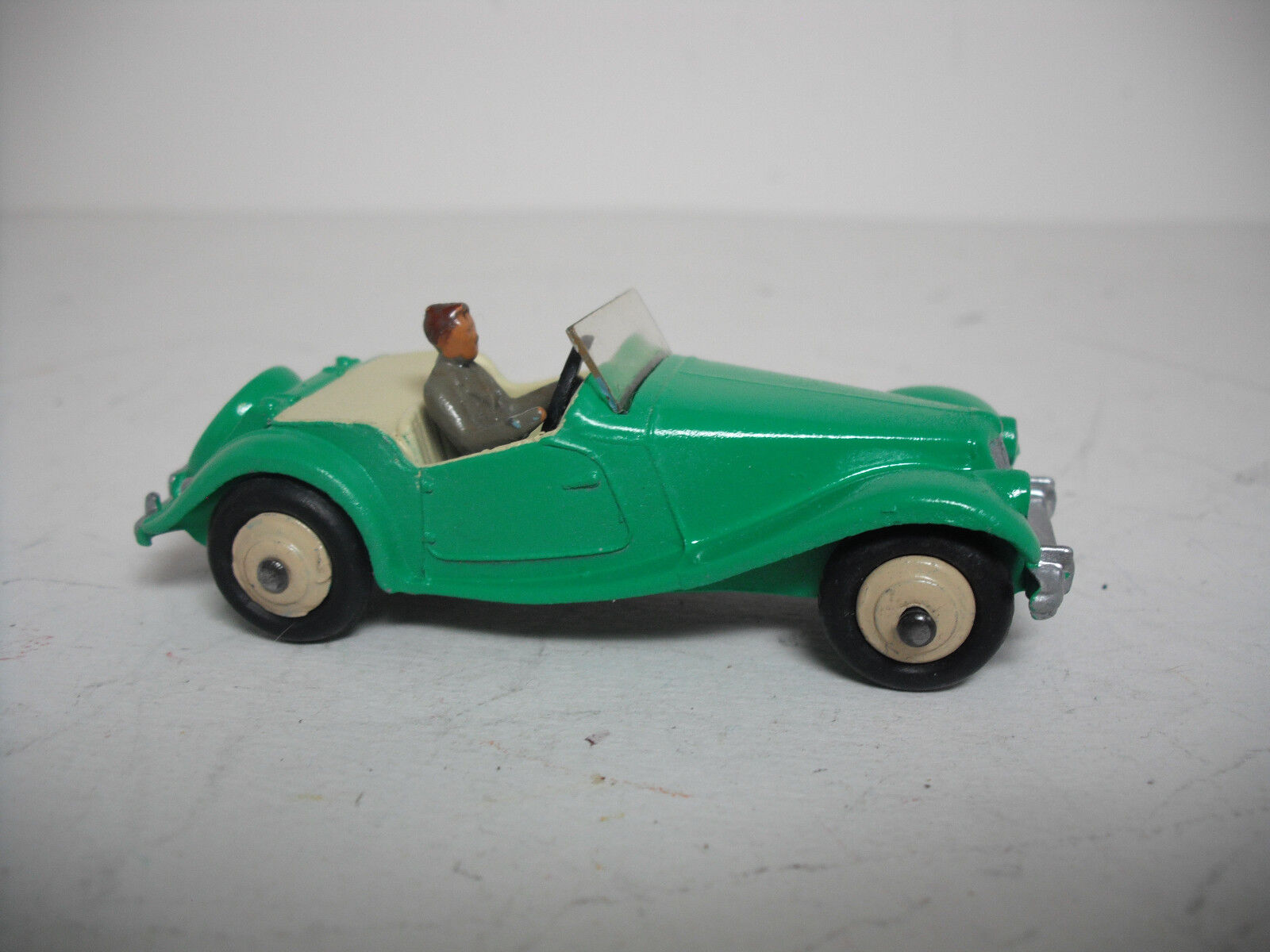 MECCANO LTD. Dinky Toys  102 H mg-Midget. restauré Touring Modèle. Near Comme neuf