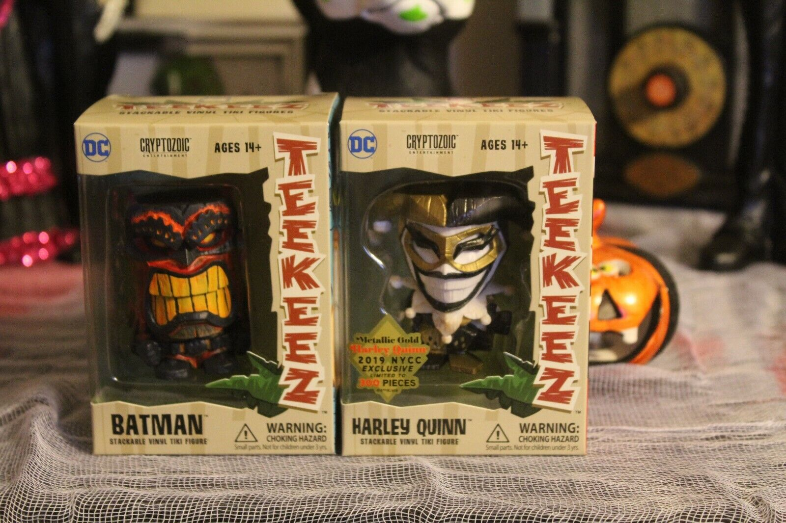 2019 NYCC Harley Quinn Metallic gold Teekeez Teekeez Cryptozoic and Batman Chase