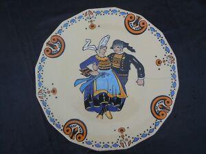 Sevellec Jim Eugène Henriot Quimper plat faïence decor polychrome danseur breton