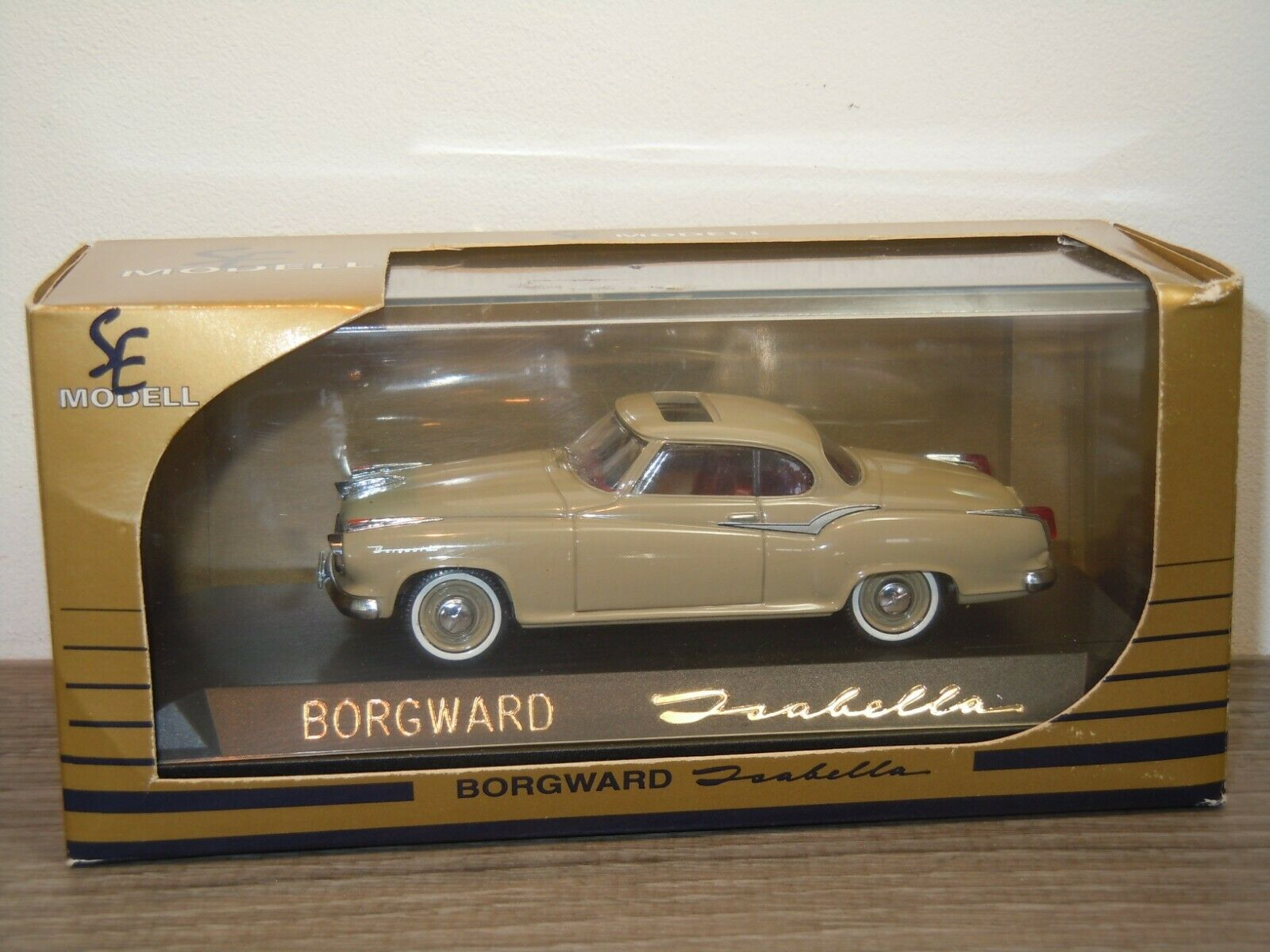 Borgward Isabella with Sunroof - Solido SE Modell 1 43 in Box 36727