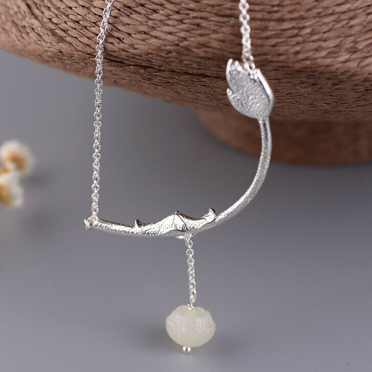 F05 Collier Sterling Branch with Sandblasted and White Jade