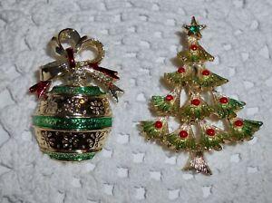 Vintage-Gerry-039-s-Lot-of-2-Enamel-Christmas-Tree-amp-Ball-Ornament-Brooch-Pin-C142