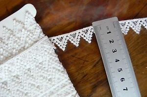 Guipure-Lace-OFF-WHITE-17mm-wide-3-Metre-Length-L36659-Astor-Buttons-LLD1