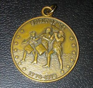Spirit-Of-76-United-States-Bicentennial-Coin-Fob-Medal-1776-1976-Eagle-Flag
