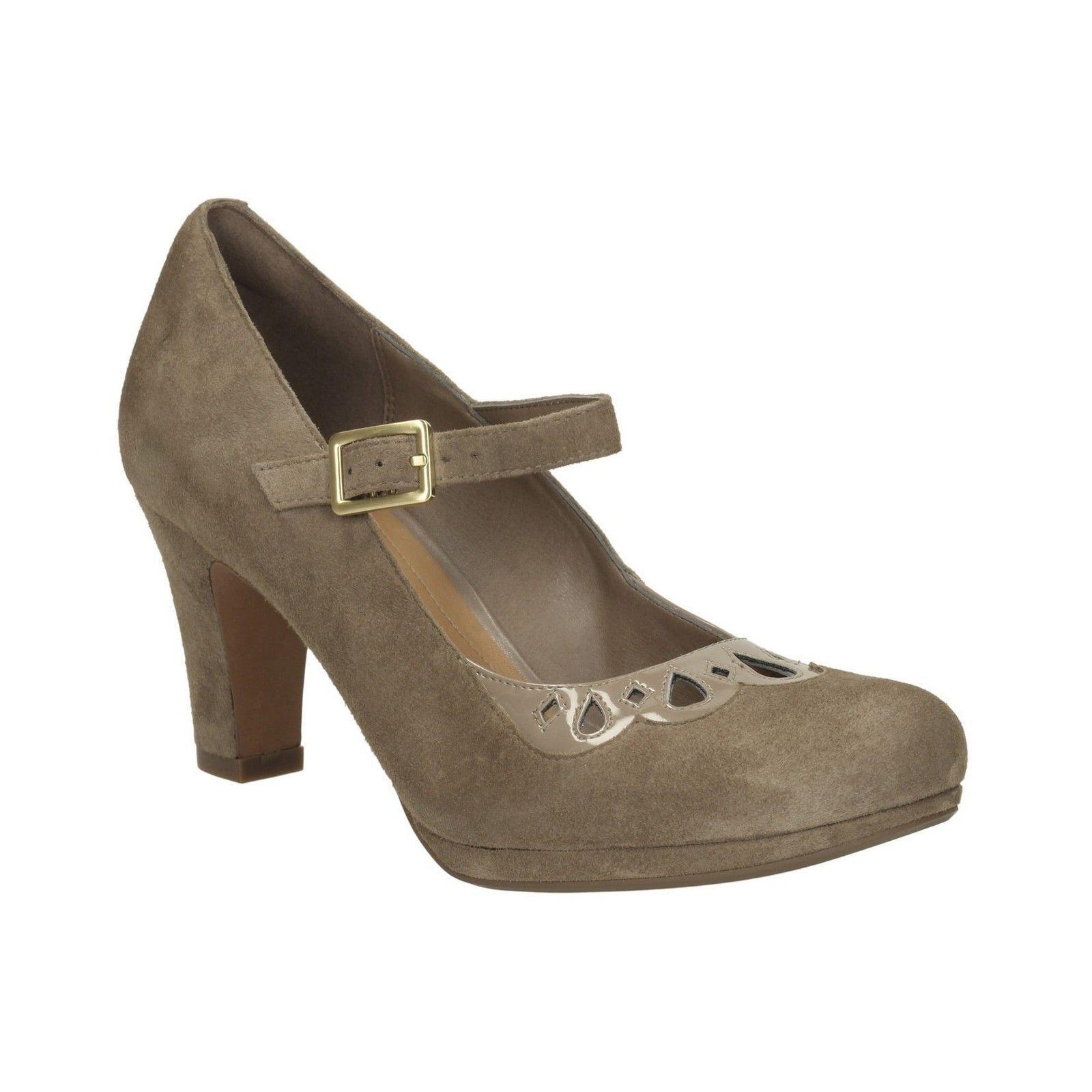 Damas Clarks Zapatos Tribunal música de coro de gamuza Guijarro