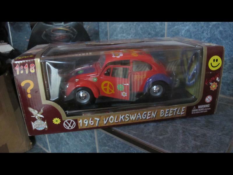 1967 Volkswagen VW Beetle Käfer Hippie 1 18 Road Legends NEU