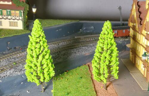 5 hellgrüne Tannen 110 mm hoch Fichten Nadelbäume