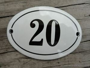 SMALL ANTIQUE STYLE ENAMEL DOOR NUMBER 20 SIGN PLAQUE HOUSE NUMBER FURNITURESIGN
