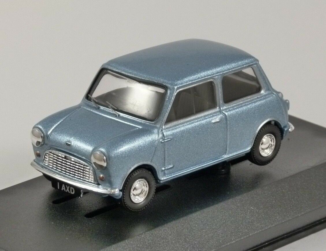 AUSTIN MINI 7 in Zircon bluee 1 43 scale model by Corgi Vanguards
