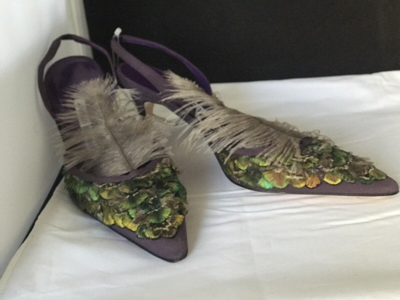 Brand New Manolo Blahnik Rare Sold Out Purple Purple Purple Feather Slingback 84e771