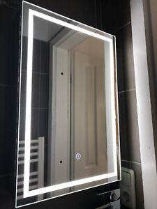 Led Spiegelschrank 60x40 Beleuchtung Touchscreen Badspiegel