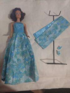 1962-Midge-Doll-VTG-Evening-Gown-Stand-Shoes-Japan-Mattel-Brunette-Barbie-Friend