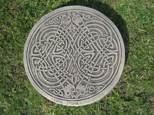 Stepping stone Celtic Square knot