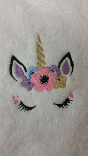 Unicorn 1 et Personnalisé Nom Brodé sur Serviettes peignoirs de bain à capuche serviette
