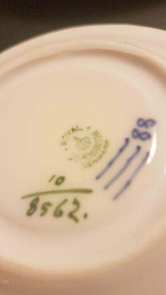 Porcelæn, Kagetallerkener og underkopper, Blå Blomst