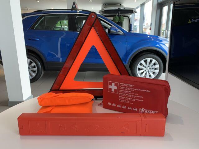Volkswagen VW Genuine Emergency Safety Kit First Aid 000 093059