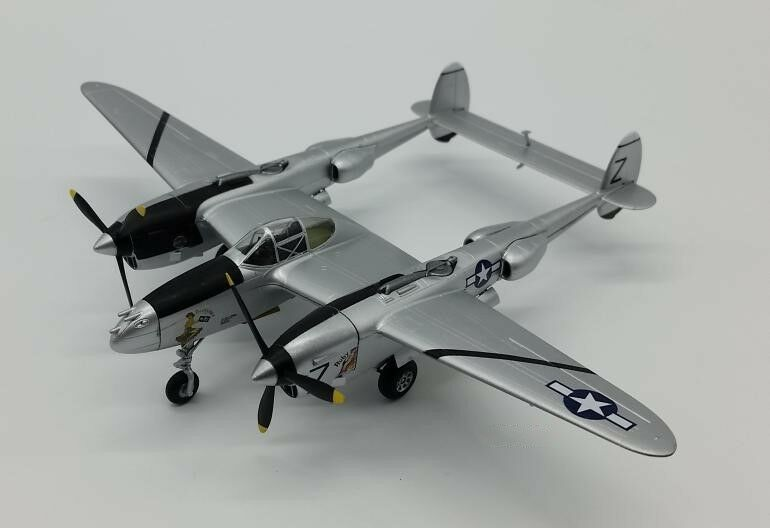 1 72 Scale US Air Force P-38 Fighter Bomber ABS Plastic Assembled Aircraft Model