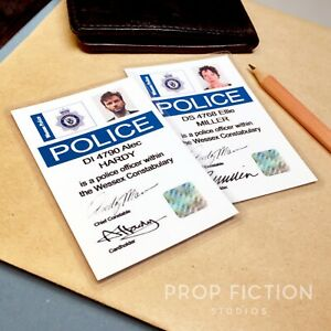 Broadchurch-Prop-DI-Hardy-amp-DS-Miller-Police-Detective-Warrant-ID-Cards