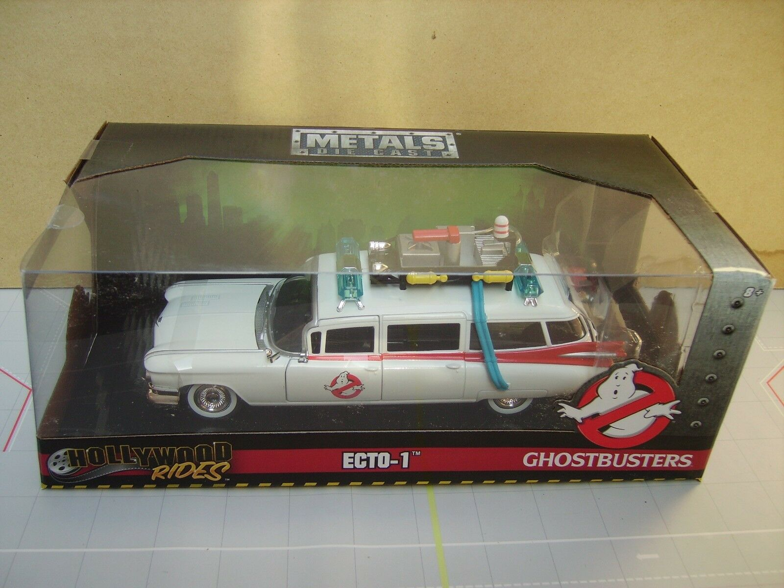 JADA 1 24 SCALE GHOSTBUSTERS CADILLAC ECTO-1